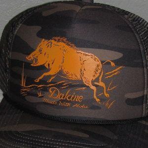 ab744bfd2f8 Dakine Accessories - New NWT Dakine Surf Boar Trucker Hat Camo